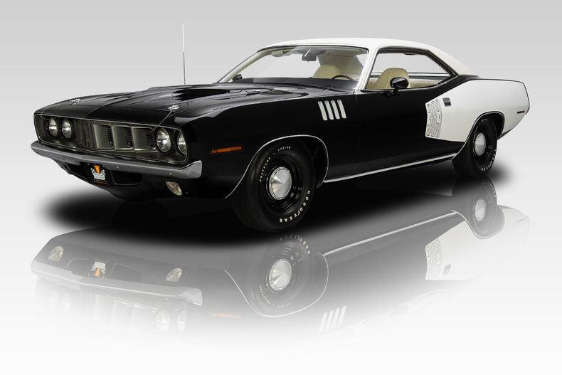 Original 383 cubic inch Magnum V8 Correct Chrysler 8.75-inch axle ...