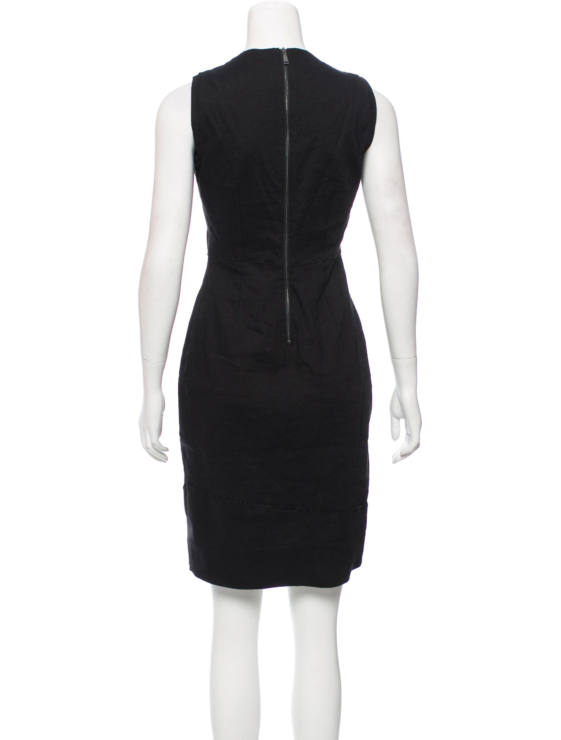 Black Elie Tahari Sleeveless Knee Length Dress With Scoop Neck Stitched Accents Throughout And Exposed Zi Metallic Knit Dress Sleeveless Mini Dress Mini Dress [ 2596 x 1968 Pixel ]