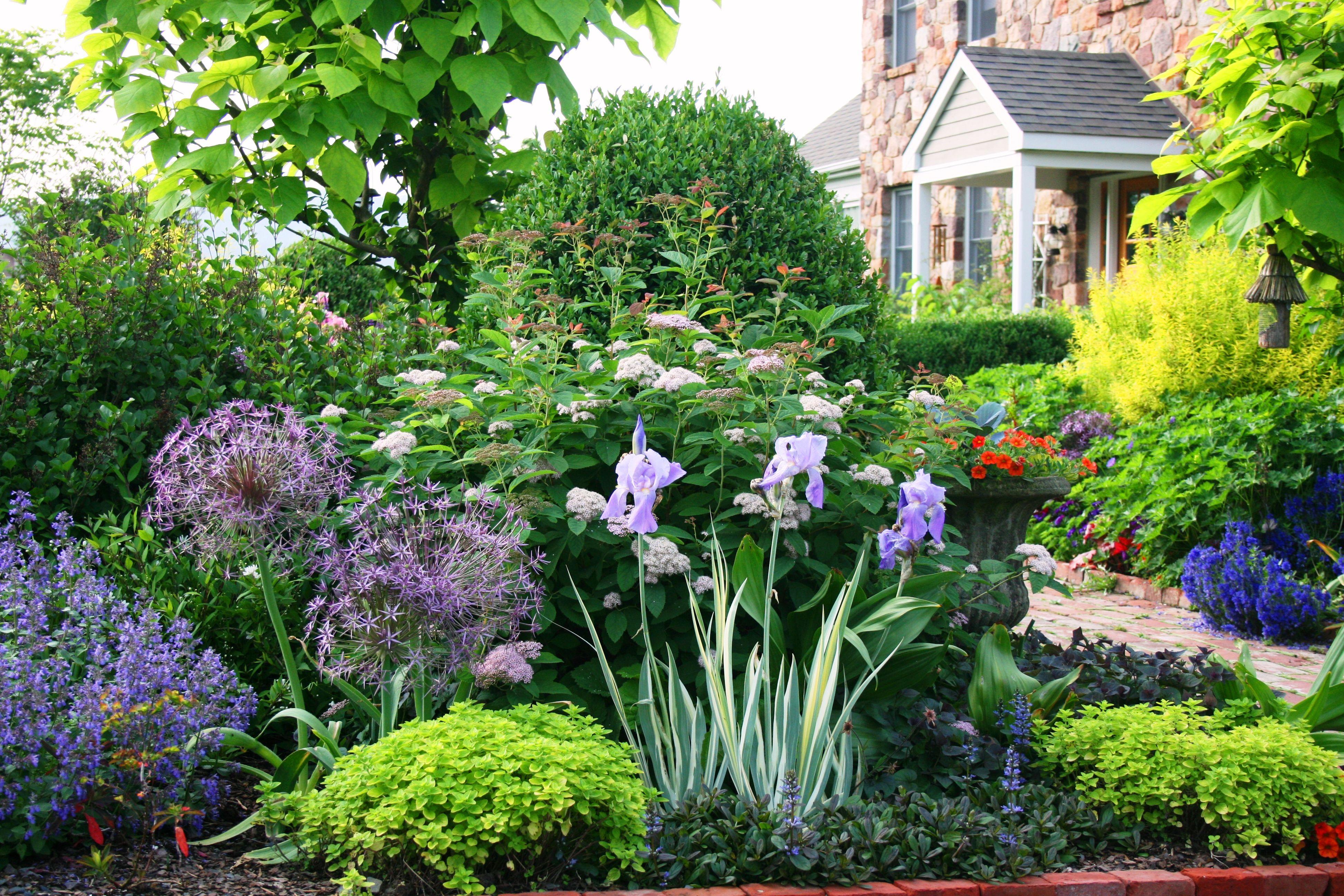 linden hill gardens - Garden Design On A Hill
