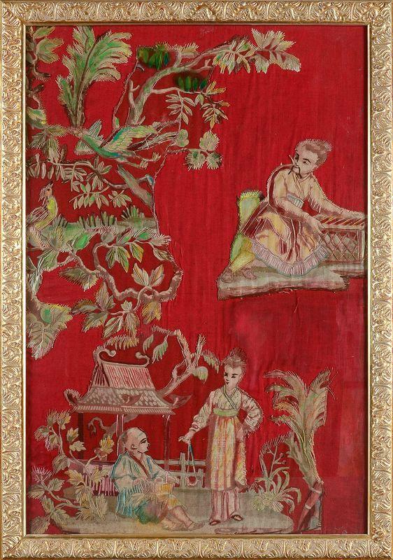Suite de six panneaux au chinois dans le goût du XVIIIe siècle, broderie d'application, fin du XIXe siècle. Photo Coutau-Begarie