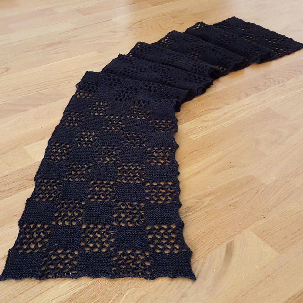 Checkered Lace Scarf | Patrones de tejido, Capilla y Tejido