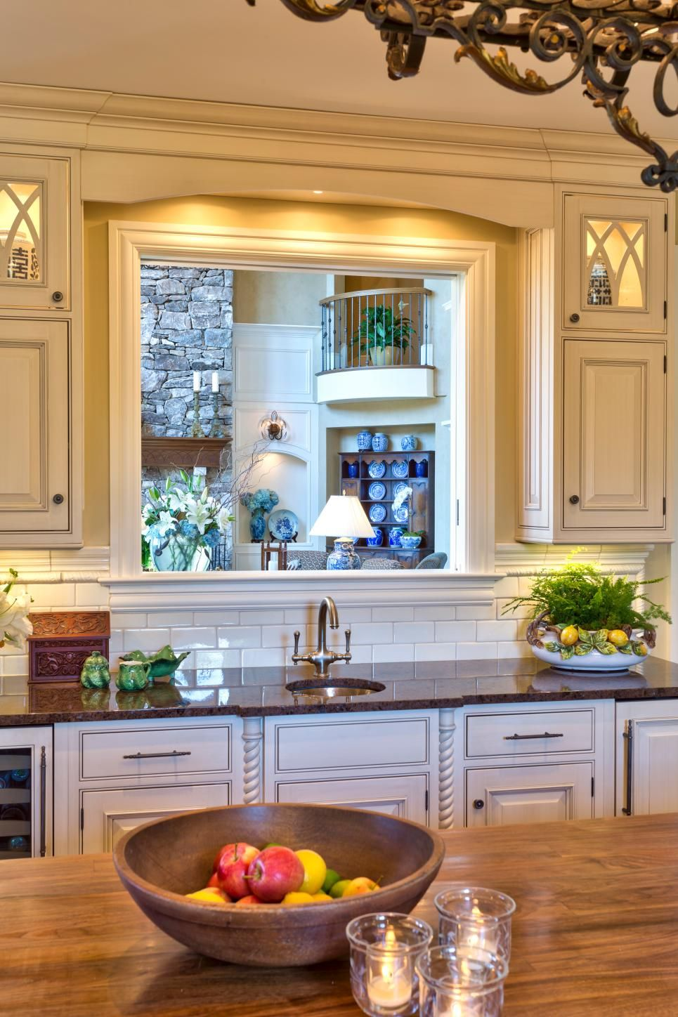 Pass Through Window in Traditional Kitchen | •house reno ...