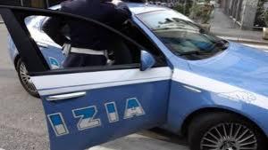Denunciato straniero per danneggiamento aggravato di autovettura