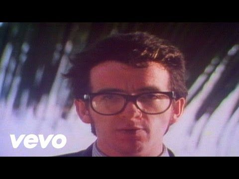 Elvis Costello The Attractions Oliver S Army Youtube Elvis Costello Elvis