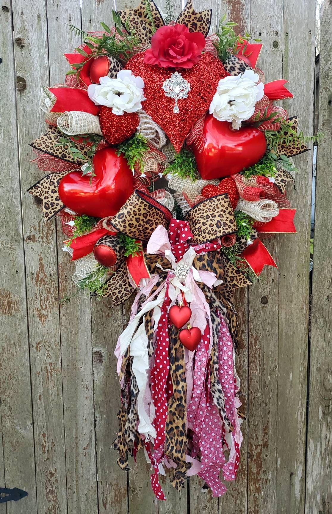 Valentine/'s Day Deco Mesh WreathLove Birds
