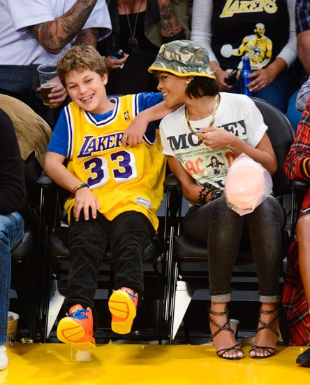 6d8ffe439 All 11 Outfits Rihanna Has Worn Courtside This NBA Season in 2019 ...