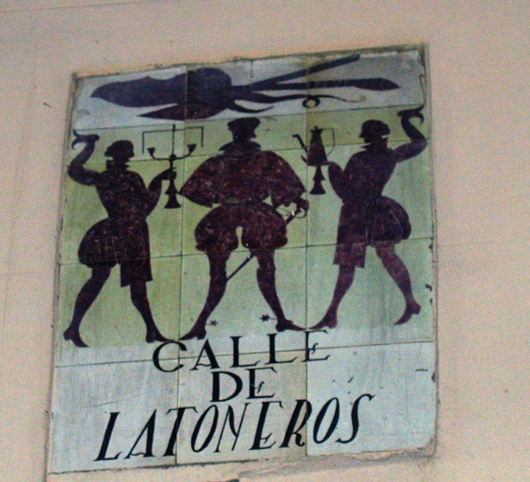 calle latoneros