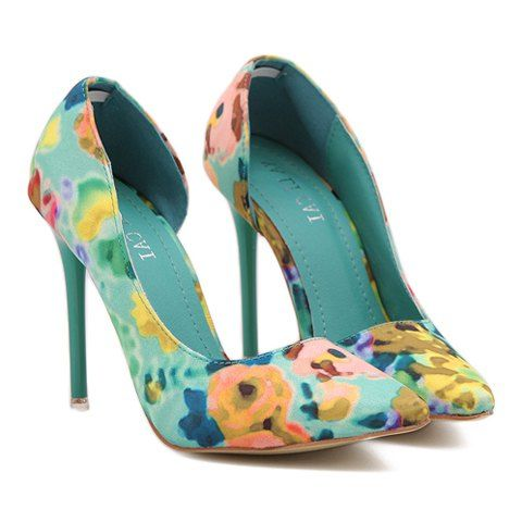 Pumps With Pointed Toe and Floral Print Design. Source: Sammy Dress #weddingshoes #bridesmaidshoes