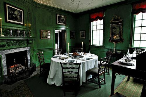 This is George washington\'s dining room. I think it\'d be cool ...