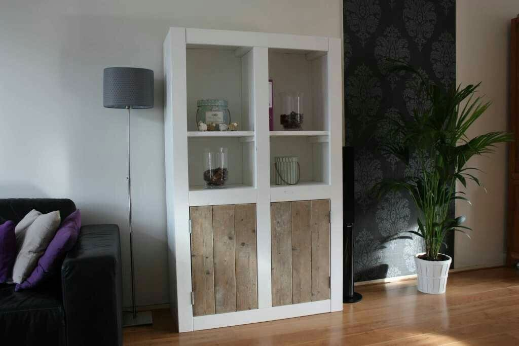 Woonkamer Kast Wit : Zwart wit kledingkast beautiful woonkamer kasten wit u artsmediafo