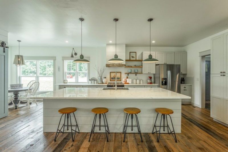 A Modern Farmhouse For Sale in Signal Mountain, Tennessee ...