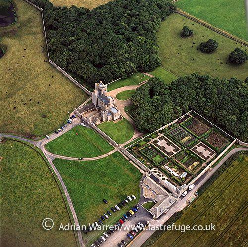 Castle Of Mey Gardens Google Search Castelos Do Mundo Pinterest Castles Scotland And