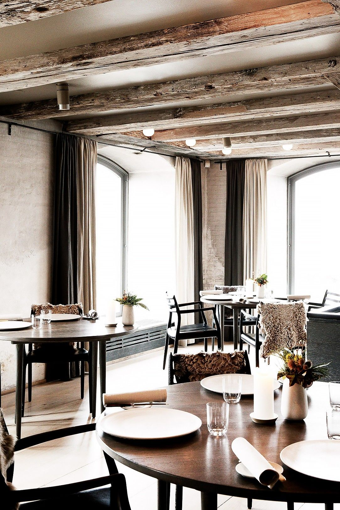 Get Ready For Dumplings These Are The Best Chinese Restaurants In Nyc Restaurant Table Setting Noma Restaurant Luxury Restaurant