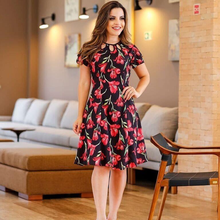 ee06f770d674 Mulata Café, Vestidos Evangélicos, Vestidos Soltos, Vestido Tubinho, Vestido  Curto, Moda