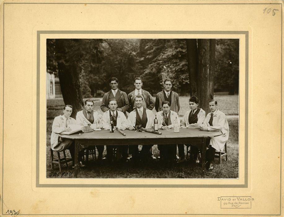 Grignon, bureau du cercle des élèves (Promotion 105), photographie ancienne, année 1930 / ©Musée du Vivant - AgroParisTech