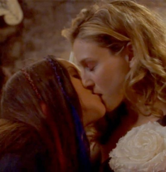 Lesbian and gay kissing scenes in bollywood