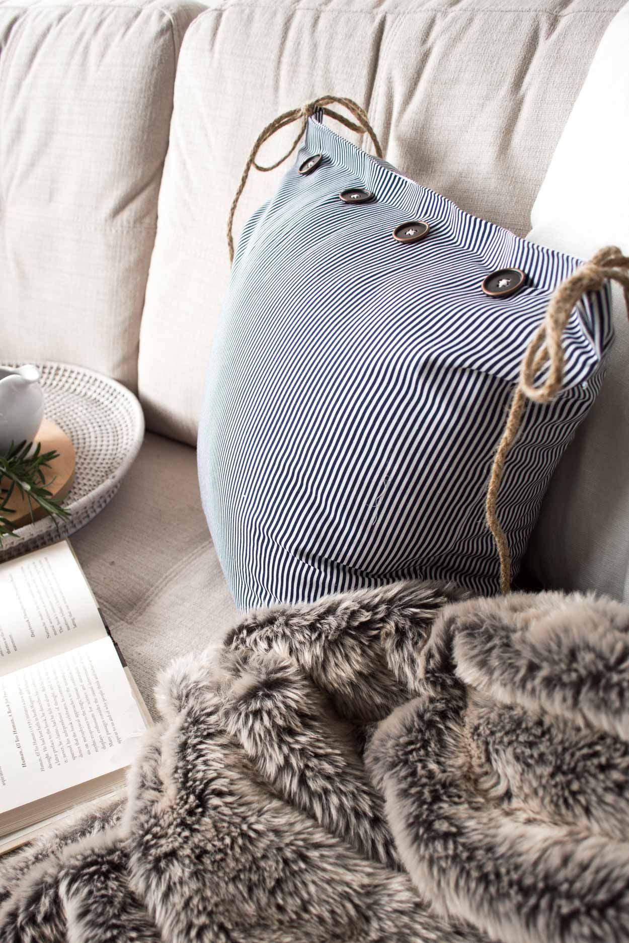 How To Make A Pretty No Sew Removable Cushion Cover Diy Cushion