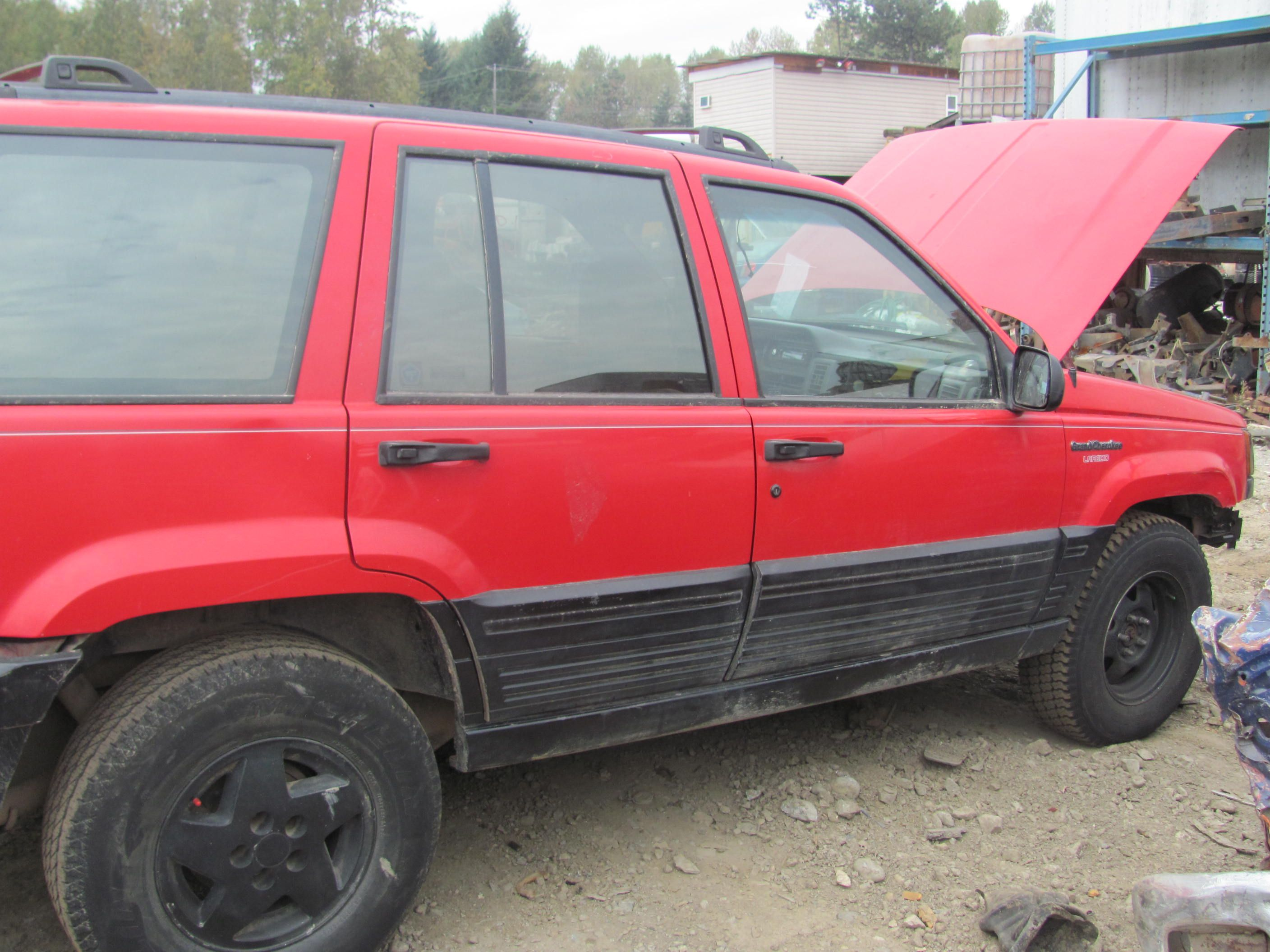 1993 jeep grand cherokee laredo 4x4 40 and up depending on part and condition used auto parts. Black Bedroom Furniture Sets. Home Design Ideas
