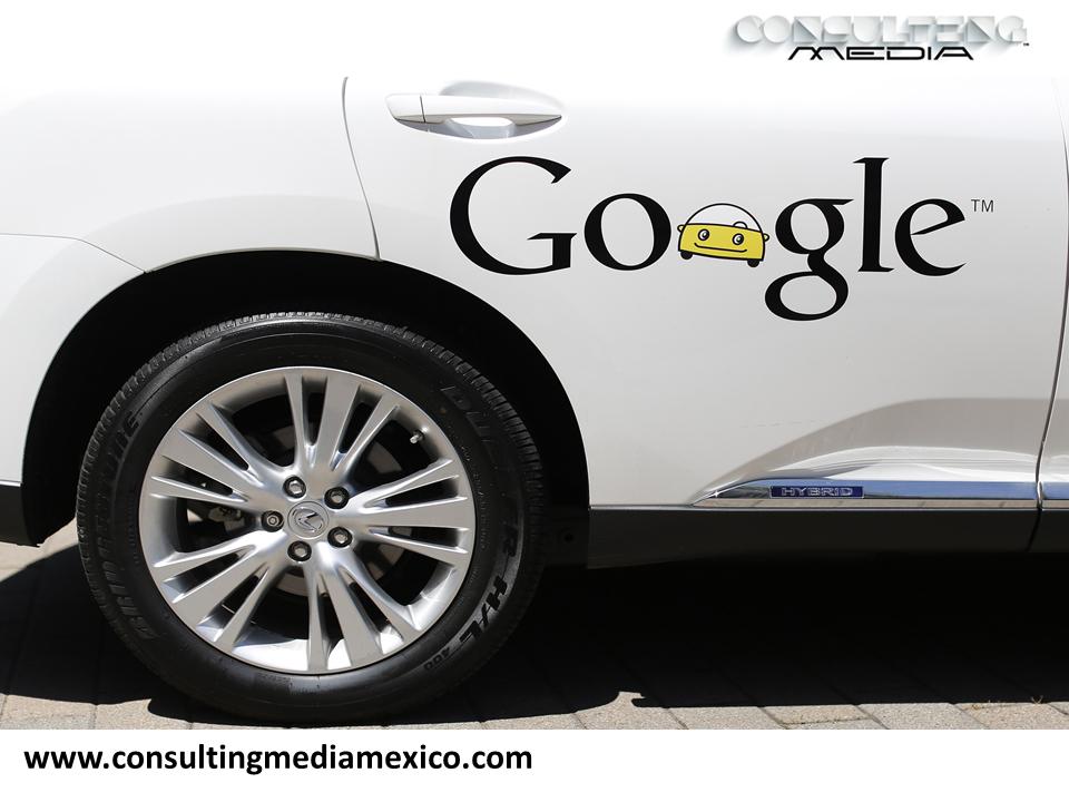 MIGUEL BAIGTS. Google ha anunciado que su automóvil inteligente, el cual circula sin conductor, estará disponible a partir del verano. Este auto puede frenar, conducir y reconocer peligros, aunque este modelo no cuenta con bolsas de aire debido a que no está diseñado para viajes largos. Su velocidad máxima es de 40 kilómetros por hora. #miguelbaigts