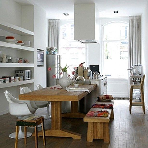 Verschillende stoelen bank bij eettafel inrichting beneden pinterest foto 39 s en zoeken - Keuken met bank ...