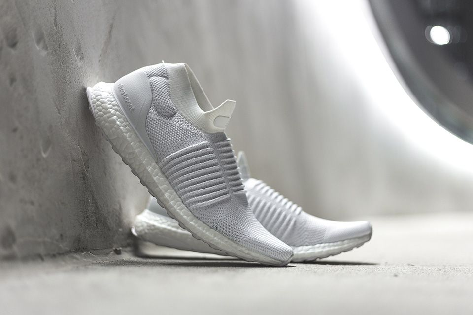 personal revelación accesorios  Here's How 5 Instagram Influencers are Rocking the adidas Laceless Ultra  Boost | Highsnobiety | Laceless, Casual shoes, Sneakers