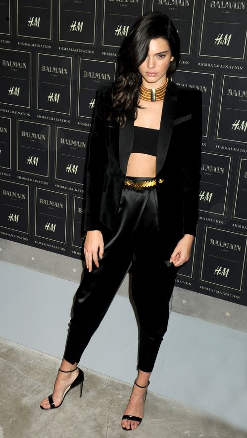 Kendall Jenner Balmain x H&M New York street lookhttp://www.vogue.fr/mode/inspirations/diaporama/les-looks-des-clbrits-au-dfil-balmain-x-hm-new-york/23261#kendall-jenner