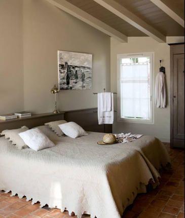 Bedroom . neutral colors .