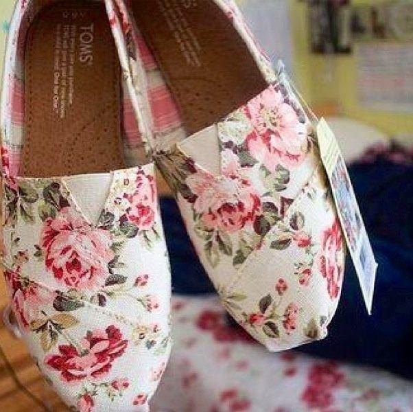 floral Toms shoes