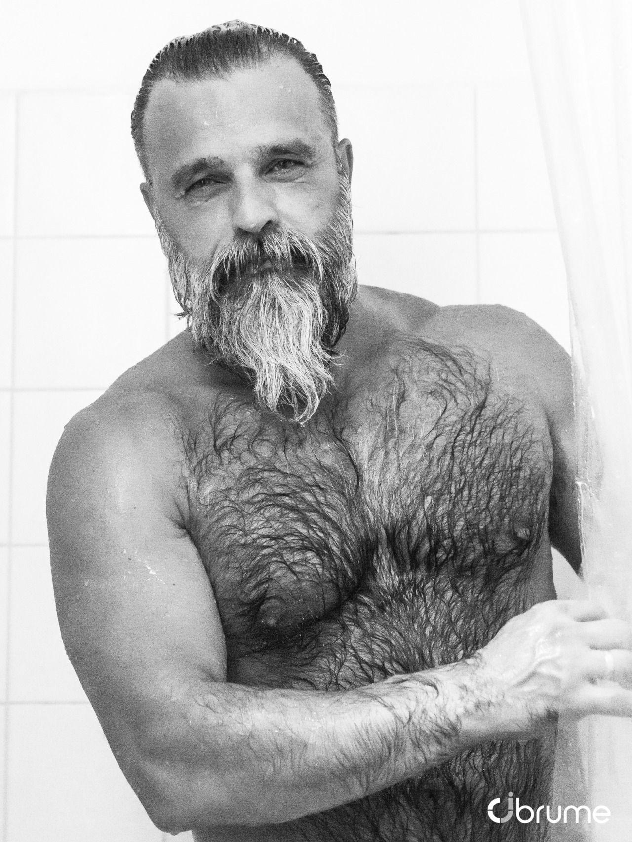 hairy-bears-in-shower