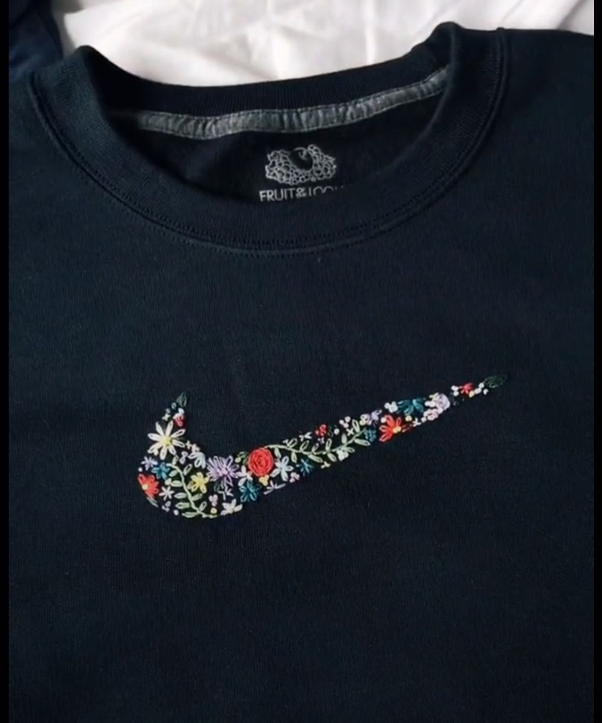 Nike Embroidered Logo In 2020 Clothes Embroidery Diy Embroidery On Clothes Diy Embroidery Shirt