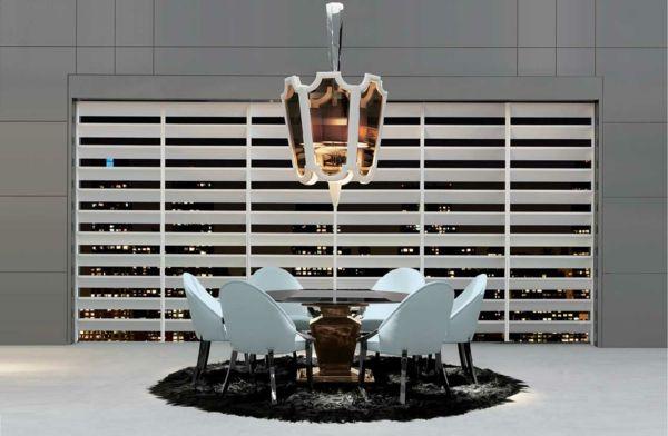 Handgemachte italienische Möbel mit glänzendem Design