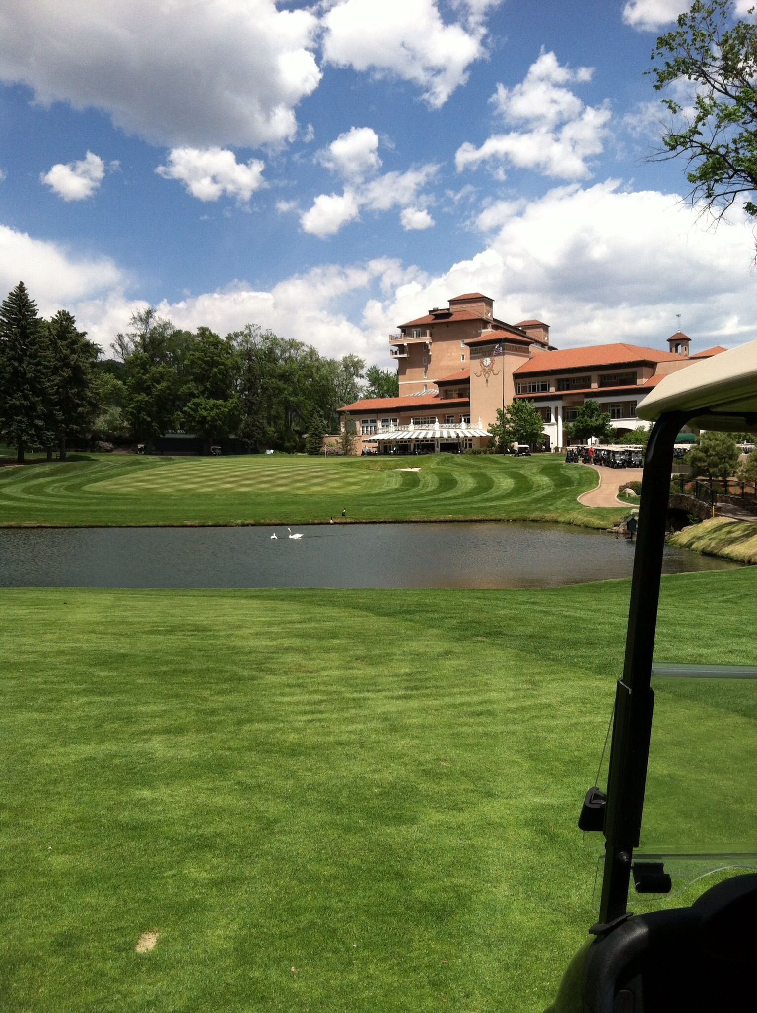 Broadmoor East Course 18th View Worked And Played Here Many Times Fantastic Property With Images Top Golf Courses Broadmoor Colorado Springs Golf Courses