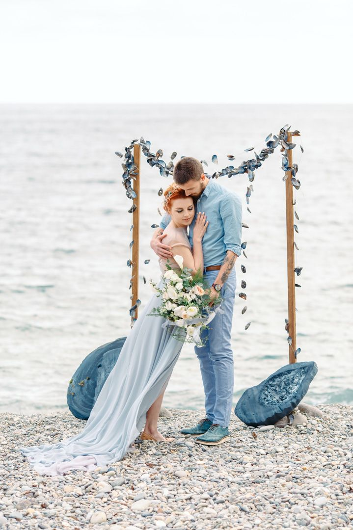 Romantic beach side wedding ceremony setting | fabmood.com #wedding #beachwedding #beachsidewedding #weddingceremony