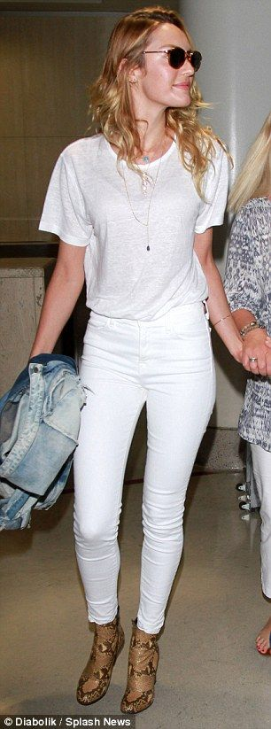 skinny white jeans and a white T-shirt... | D White Jeans ...