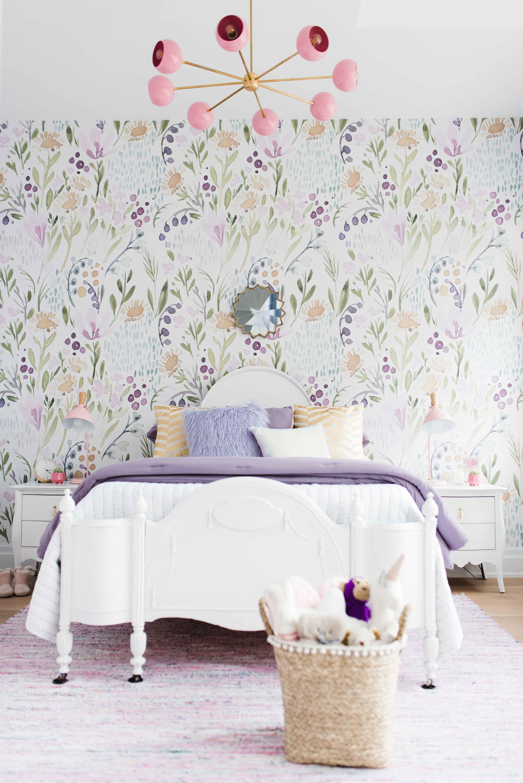 A Dreamy Little Girls Bedroom The Minted Mama Decoracion De Paredes Pintadas Diseño De La Habitación Decoracion De Dormitorios Juveniles