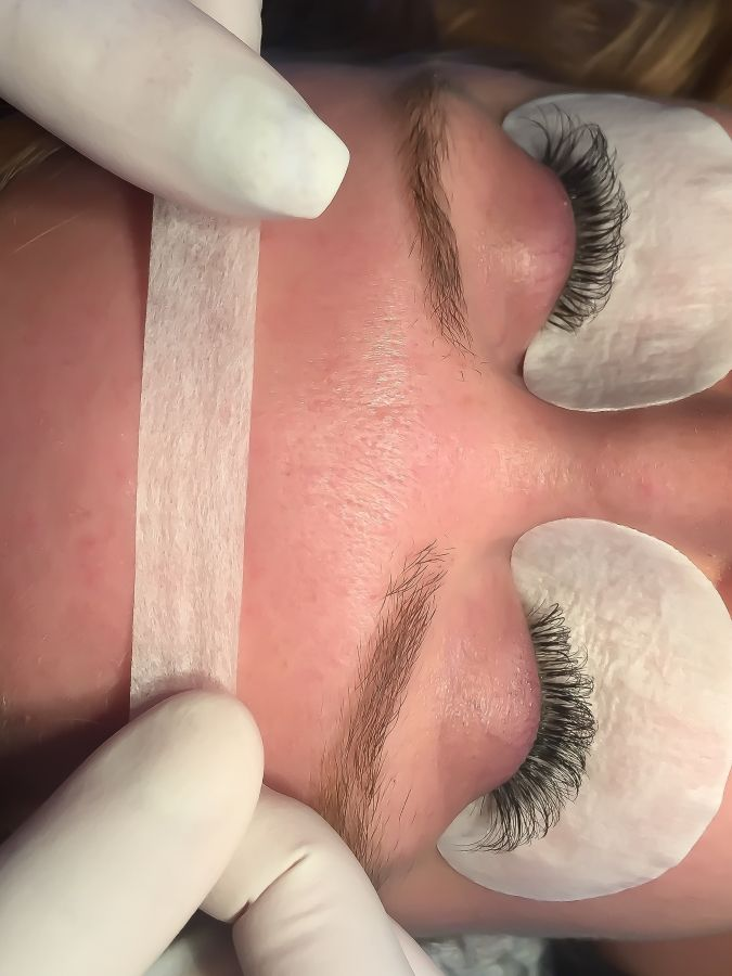 267c95fc0b3 Apply Lashes Faster and Create a Fuller Look Through the Taping Back  Technique