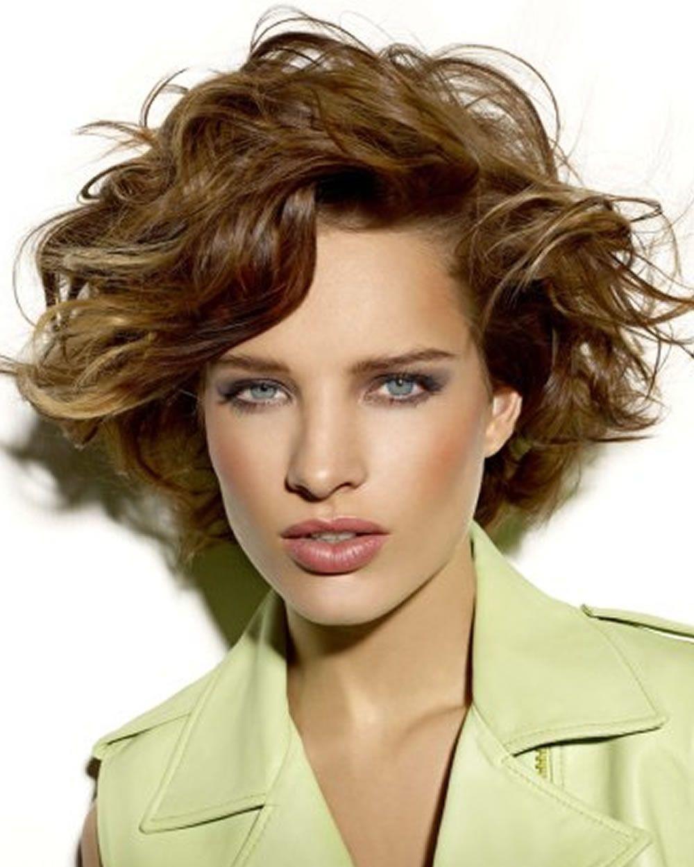 12+ Die besten kurzen Frisuren für dickes Haar 1219  Haarschnitt