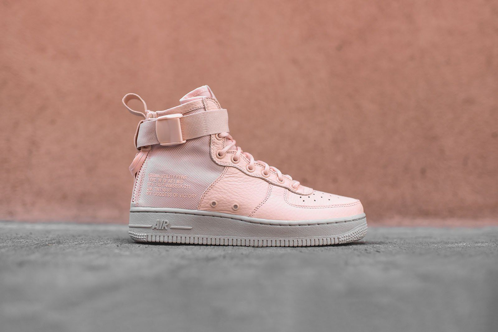 newest 44c18 45a29 Nike WMNS SF-AF1 Mid - Pink / Grey | Sneakers in 2019 | Nike ...