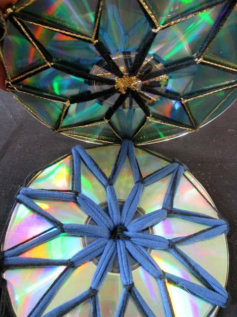 Aamumandaloista   uusiin ajatuksiin.     http://omakoppa.blogspot.fi/2013/09/aamumandalat.html           Naarmuuntunut CD.          ...