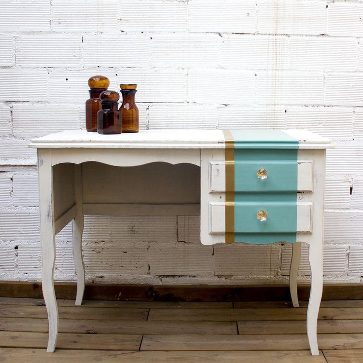 Una mesa tocador shabby chic con un toque glamour studio alis barcelona muebles pintados - Studio barcelona muebles ...