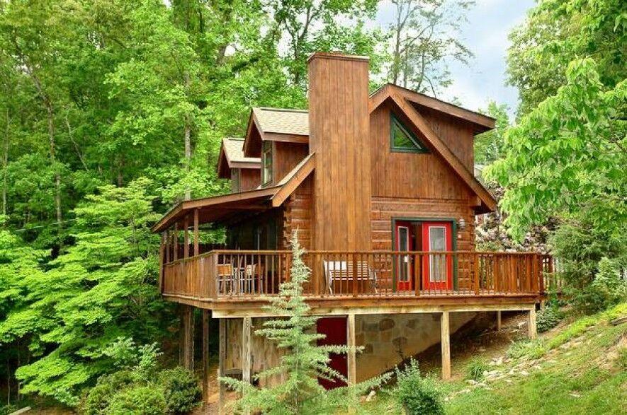 Hidden Charm 2 Bedroom Cabin At Parkside Cabin Rentals Cabin Cabin Rentals House Styles