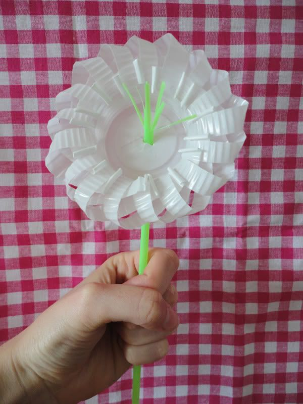 Plastic Cup Flower Diy Crafts Pinterest Diy Flowers Diy And