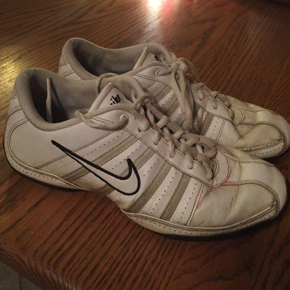 nike tennis shoe to the nike cheer unite nike