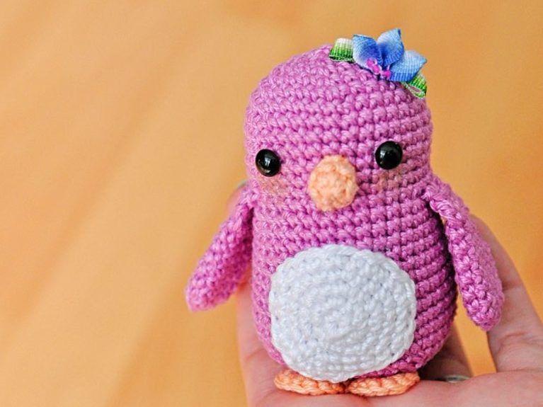 Tutoriale DIY: Cómo hacer un pingüino de amigurumi vía DaWanda.com