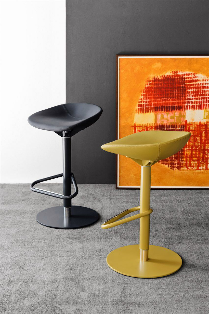Calligaris Palm Bar Stool Gas Lift And Swivel Base Comes In