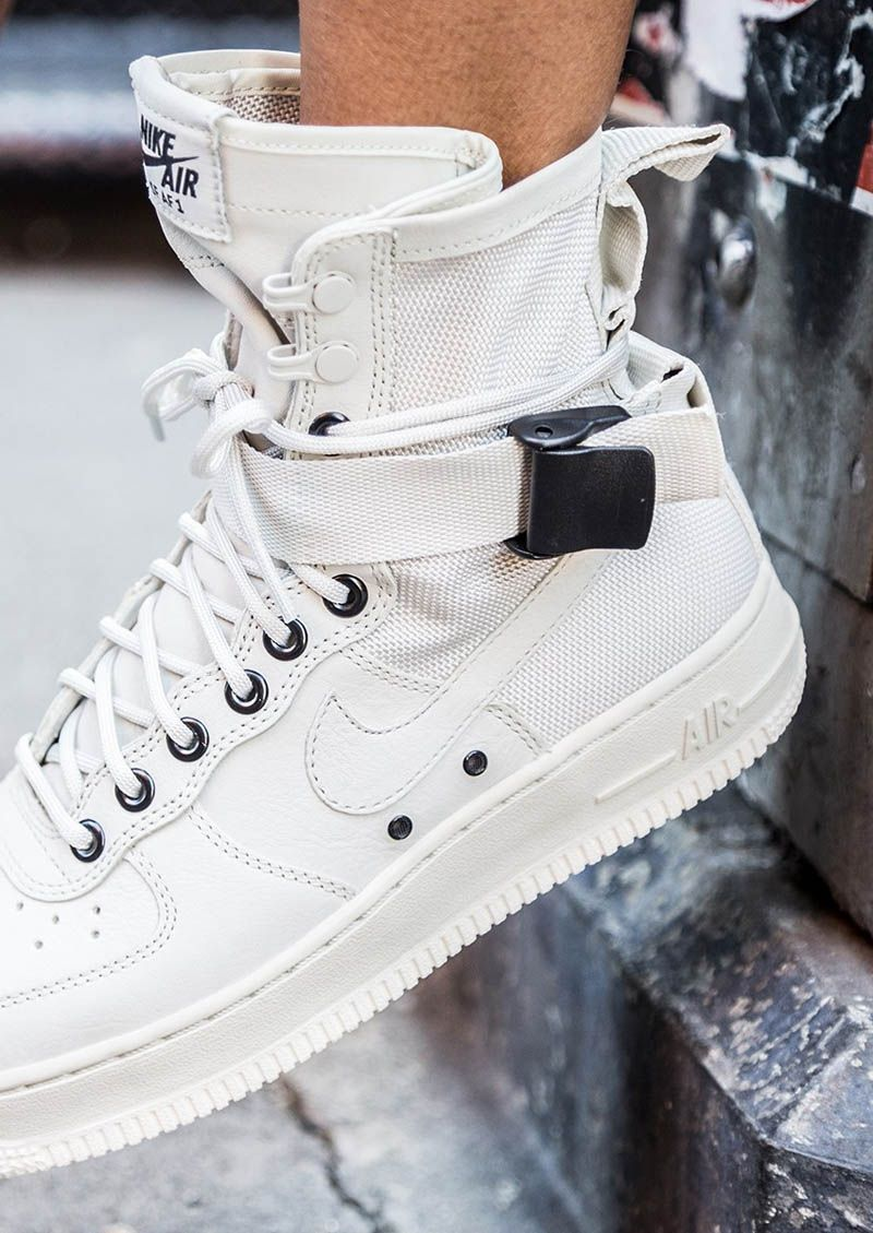 NIKE w Special Field AF1 in 2019 | Nike shoes, Nike shoes