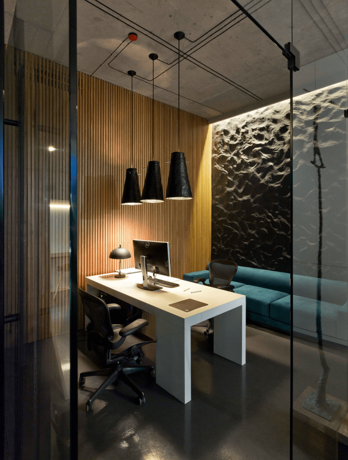 Increase Your Productivity With Our Office Lighting Ideas Check Everything Here Www L Modern Office Interiors Minimalist Office Design Modern Office Design