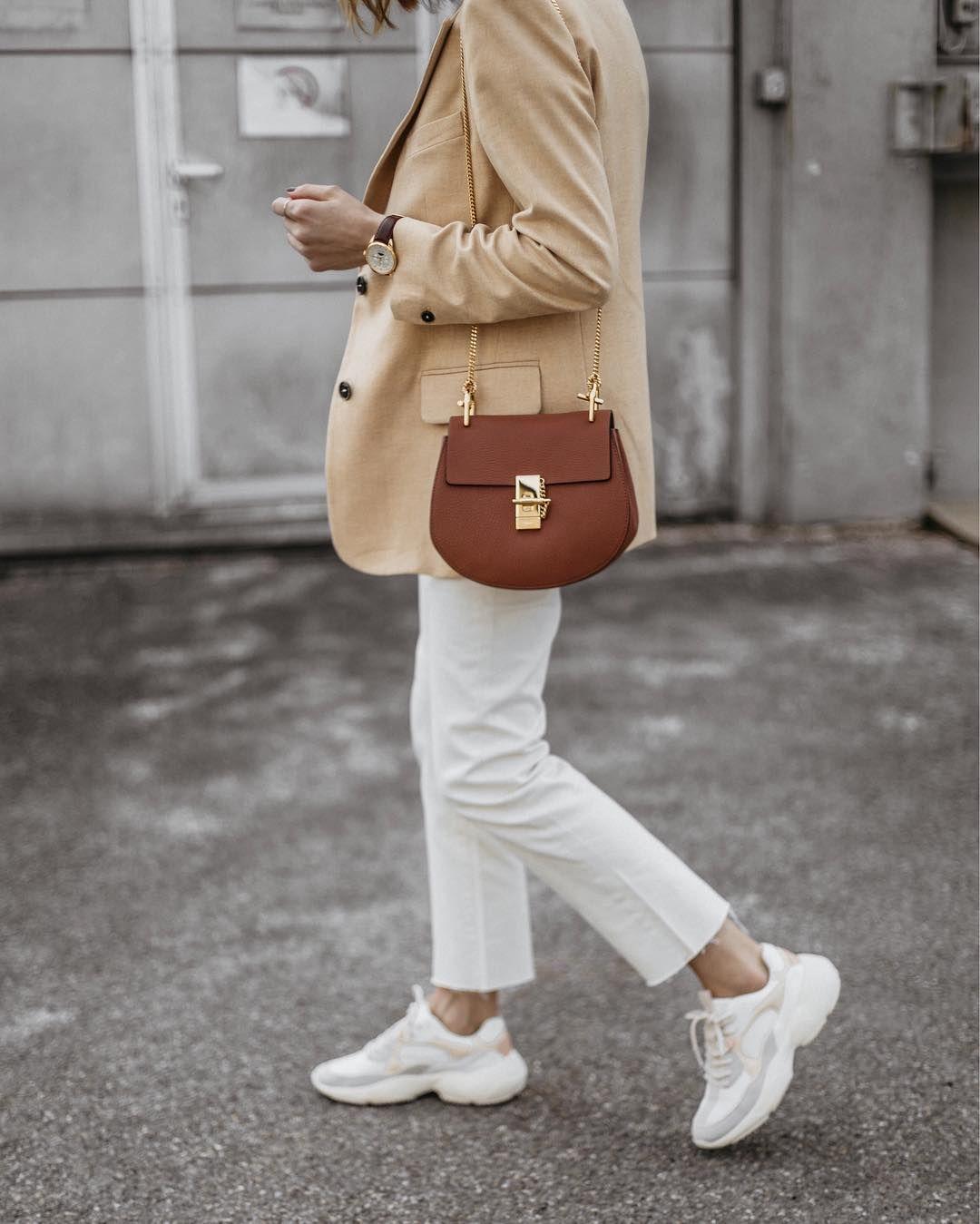 Chloe drew bag, Sneakers outfit casual