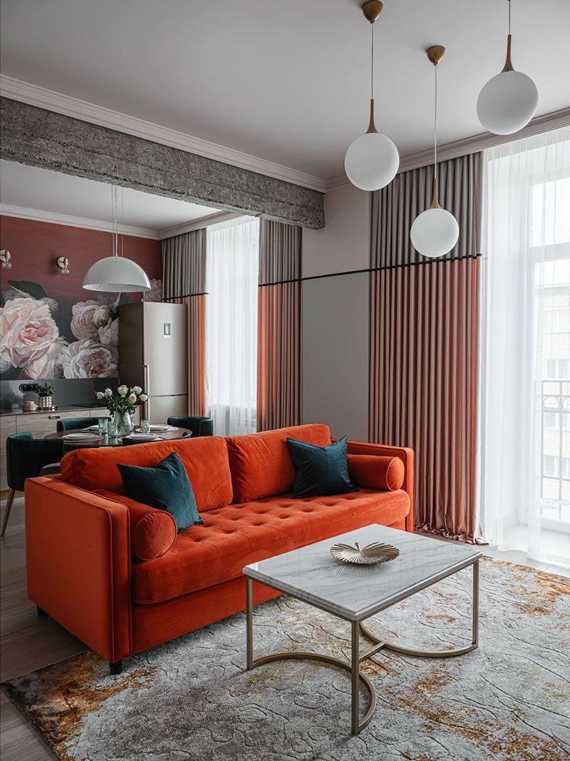 Orange Sofa And Flowers On The Walls Juicy Apartment In Krasnoyarsk Russia 59 Sqm V 2020 G Oranzhevyj Divan