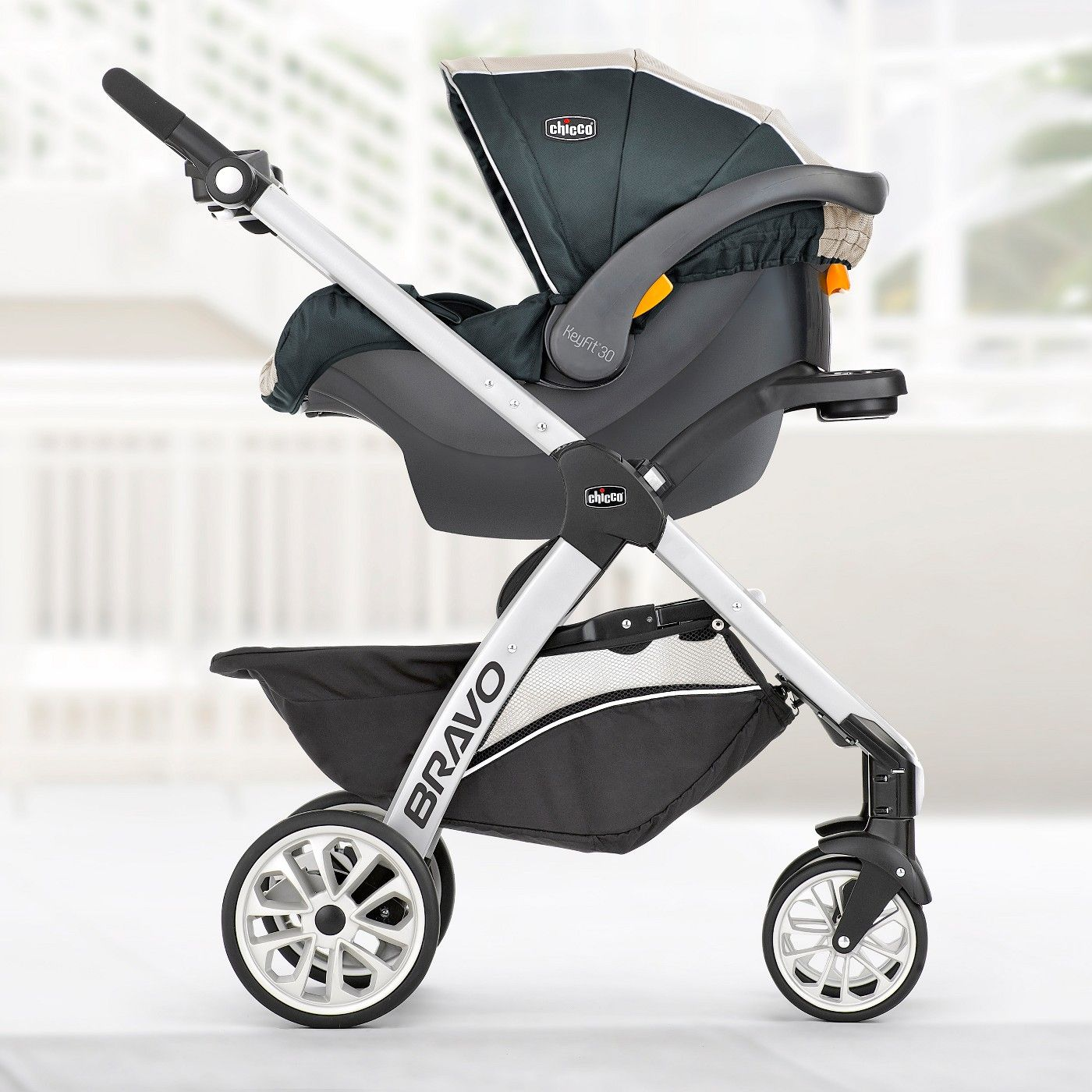 Chicco Bravo Trio Travel System in 2020 Chicco bravo
